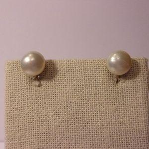 Vintage 10K Gold Pearl Screw Back Earrings